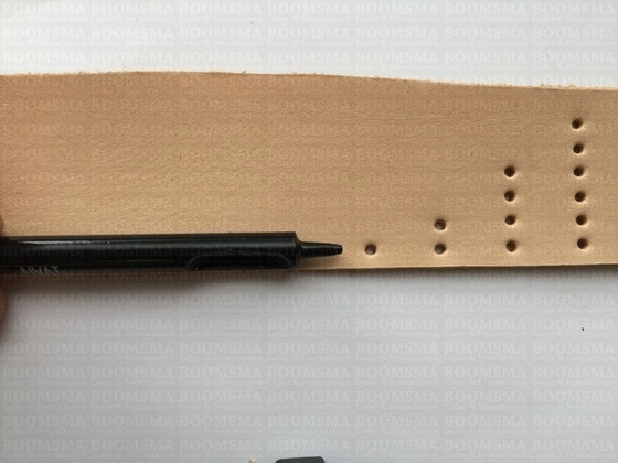 Hole punch two holes Ø 1 mm (holpijp fijn) - pict. 3